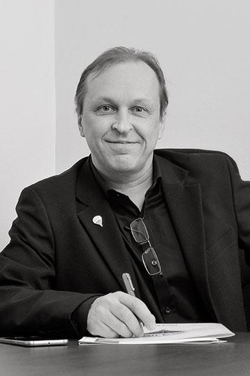 Juha Tupala Yrittäjä, KiAT juha.tupala@remax.fi Puh. 0400 611 361