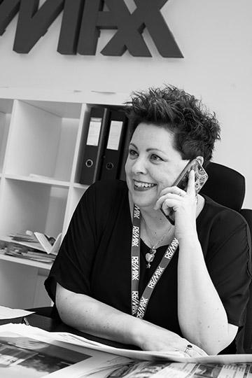 Johanna Kinnunen Kiinteistönvälittäjä, LKV, kaupanvahvistaja johanna.kinnunen@remax.fi Puh. 050 590 9972