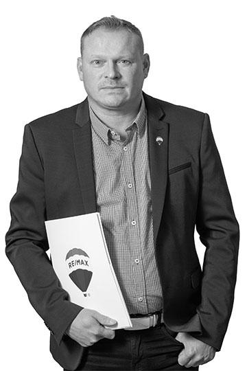 Jyrki Vuori Myyntineuvottelija jyrki.vuori@remax.fi Puh. 045 2307 955